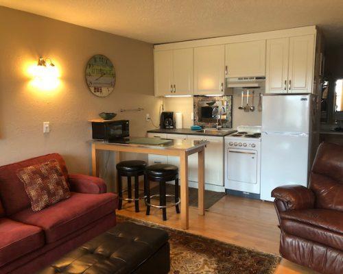 105-Living-Room-Looking-Towards-Kitchen