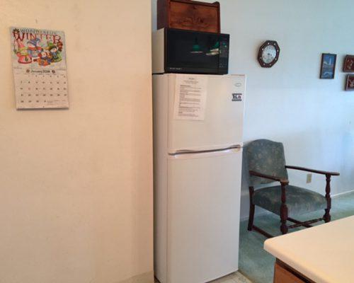 109B-Refrigerator