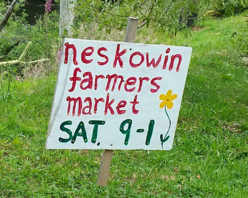 117 Neskowin Resort Farmers Market Sign