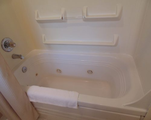 117 Neskowin Resort Jetted Tub