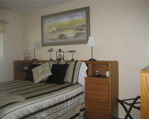 312-Bedroom
