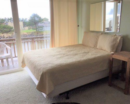 316-317-Bedroom-Area