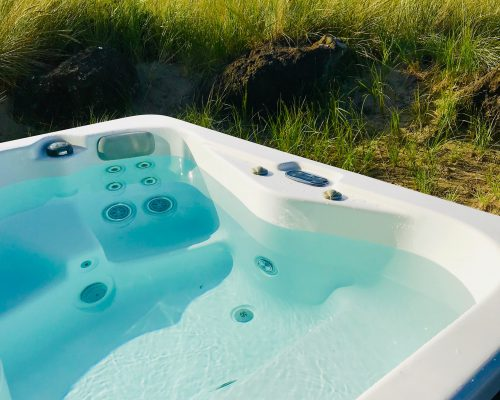 GF #77 Hot Tub