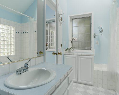 House11-Bathroom-1