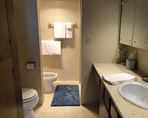 upstairs-bathroom-a