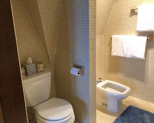 upstairs-bathroom-b